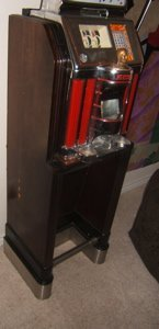 3: Antique Jennings Chief 25 Cent Slot Machine - 3