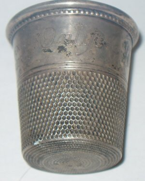 418: Large Silver Thimble