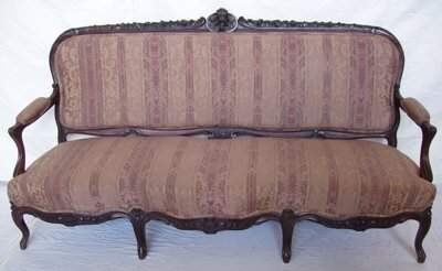 517: Victorian Heavily Carved Rosewood Sofa