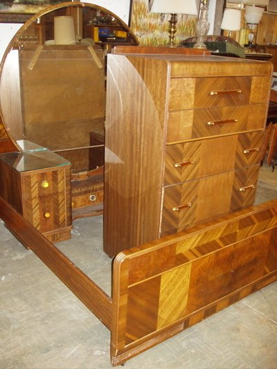5: Water Fall Style Art Deco Bedroom Set