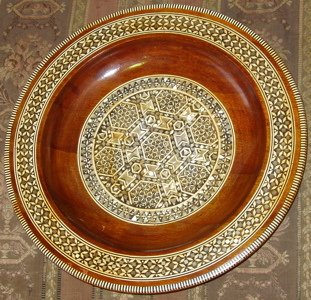 411: Mother of Pearl Inlay Plate