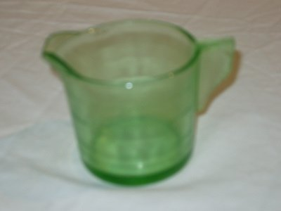 10: Green Depression Measuring Cup