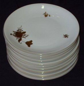 80: 12 H.C. Selb Bavaria Heinrich Dinner Plates