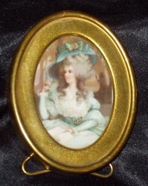 102: Oval Miniature Picture