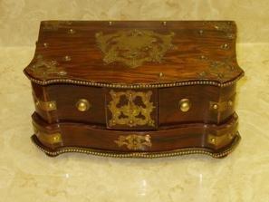 118: Jewelry Box w/Misc. Pins