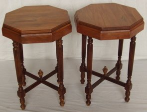 15: 2 Matching Lamp Tables