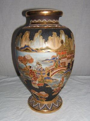 19: Antique Japanese Satsuma Vase
