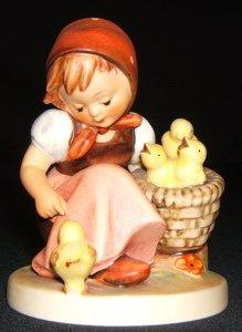 408: Hummel, Goebel Figurine