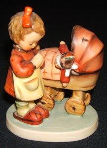 402: Hummel, Goebel Figurine
