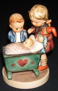 421: Hummel, Goebel Figurine