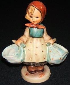 424: Hummel, Goebel Figurine