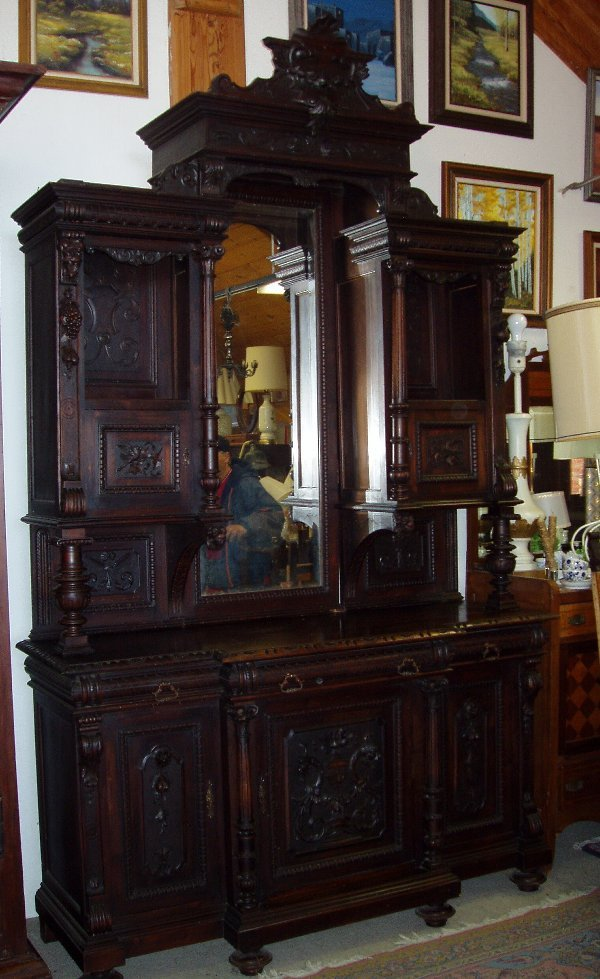 112: French China Cabinet