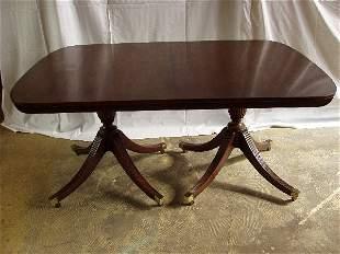 Baker Furn. Co. Mahogany Dng Rm Table
