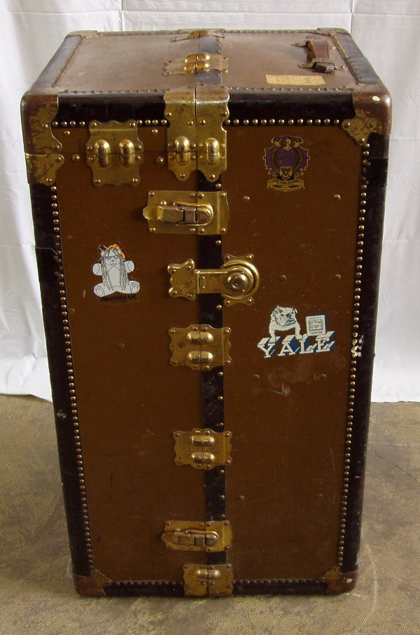 "2011: Steamer Trunk ""Royal Robe"""
