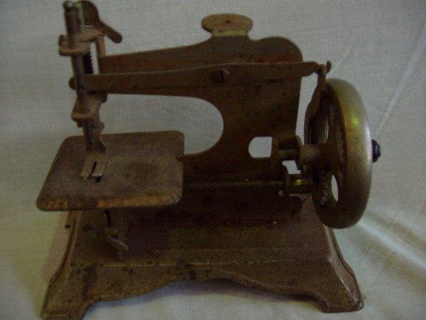 20: Metal Sewing Machine