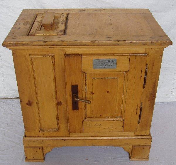 208: European Pine Ice Box
