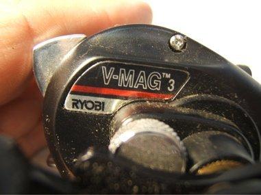 681: V-Mag 3 Ryobi Fishing Reel - 3
