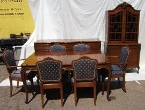 718: Antique French Style Burl Walnut Dining Room Set