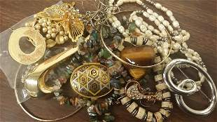 Lot of Vintage Jewelry & Assorted