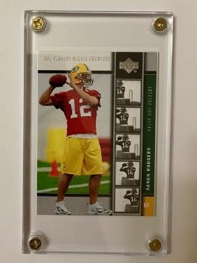 Mint AARON RODGERS Premiere Rookie Football Card