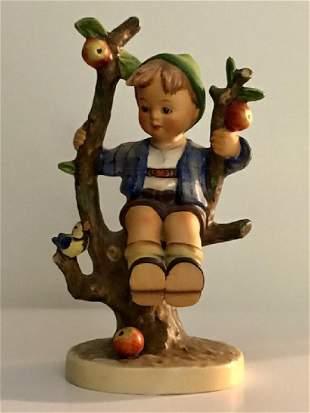 1940's Full Bee MJ HUMMEL Western Germany Figurine