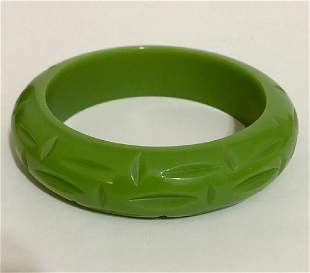 Vintage Green Cut Bakelite Bangle Bracelet