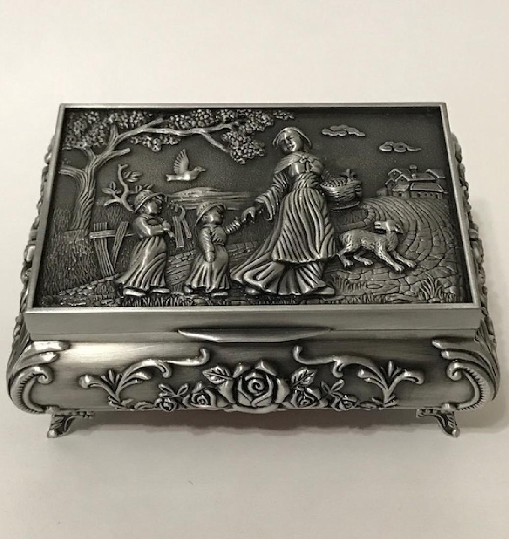 Elegant Victorian style Silver tone Jewelry Box