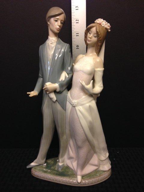 Very Large LLADRO Porcelain Wedding Couple