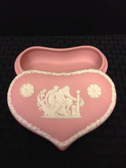 V. Rare Antique Pink/Salmon WEDGEWOOD Dresser Box