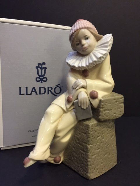 Retired LLADRO Porcelain Seated Jester Clown