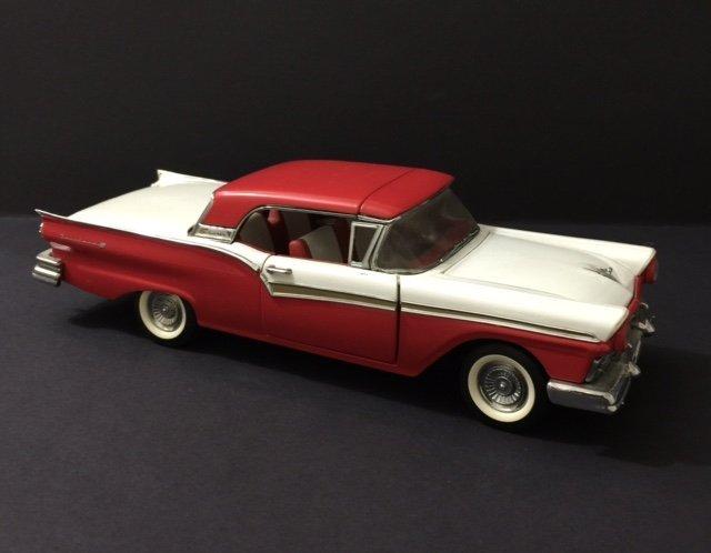 FRANKLIN MINT Die-Cast Car - 1957 Ford FAIRLANE