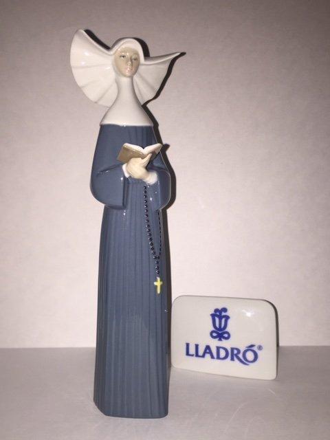 "Retired LLADRO Porcelain NUN Figurine - 12"" Tall"