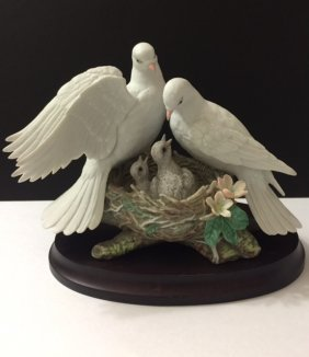 "Beautiful Porcelain ""white Doves"" By Katsumi Ito"
