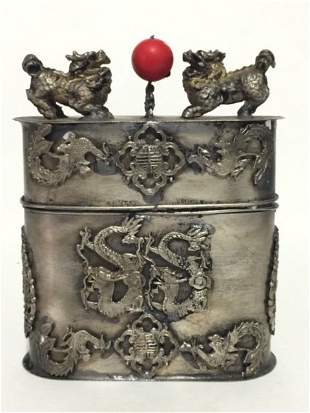 Handmade Chinese Silver FOO DOGS Snuff Box