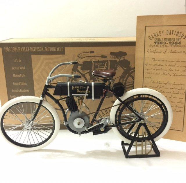 Rare HARLEY-DAVIDSON 1903/04 Die-Cast Motorcycle