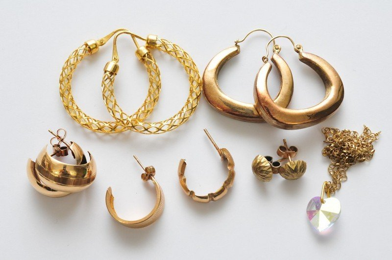 A collection of assorted 9ct yellow gold earrings of va
