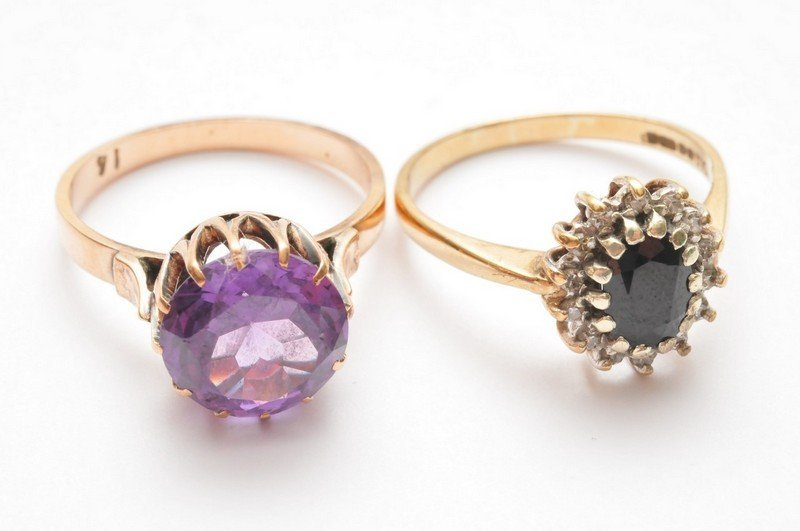 Two 9ct gold rings one set with amethyst the other with