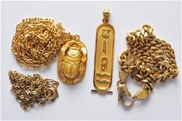 A small collection of gold and yellow metal jewellery i