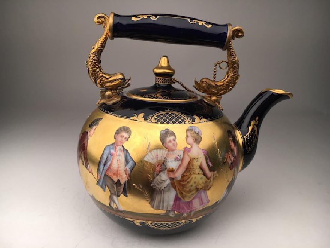 Antique Royal Vienna porcelain tea pot painted with - 2