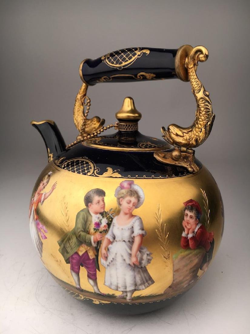 Antique Royal Vienna porcelain tea pot painted with - 4