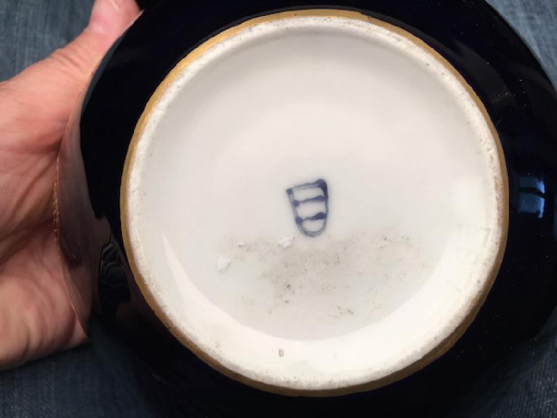 Antique Royal Vienna porcelain tea pot painted with - 9