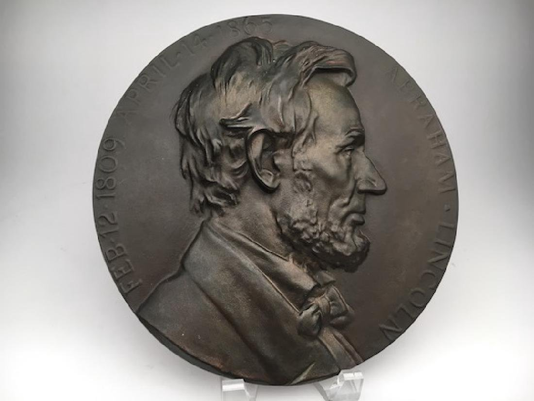 Abraham Lincoln wall plaque.