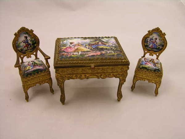 1781: HAND PAINTED MINIATURE FURNITURE  ENAMELED  INSER