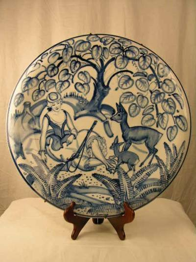 """2030:  """"MEISSEN CHARGERS.  A PAIR OF LARGE MEISSEN CHAR"""