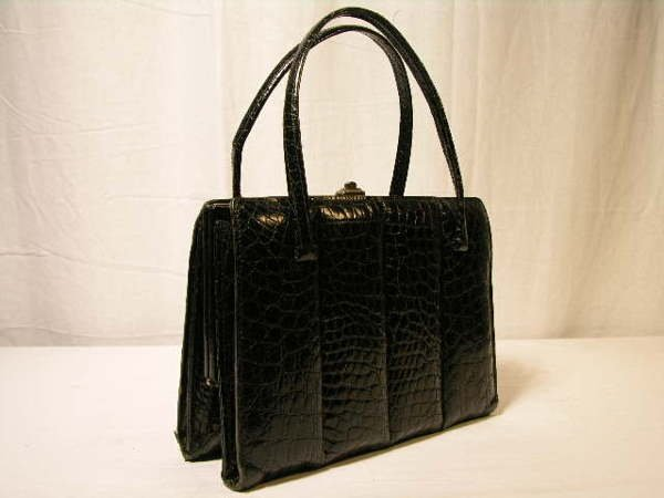 2257: BEAUTIFUL BLACK TURTLE SKIN HANDBAG WITH QUILTED
