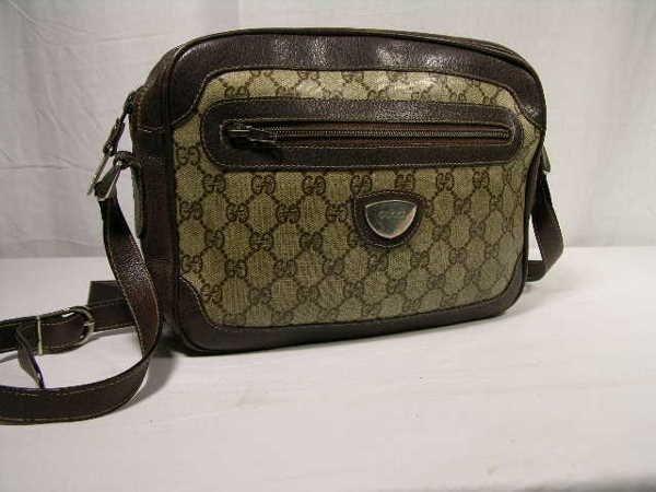 2267: RARE GUCCI SIGNATURE SHOULDER BAG.  THIS MODEL IS