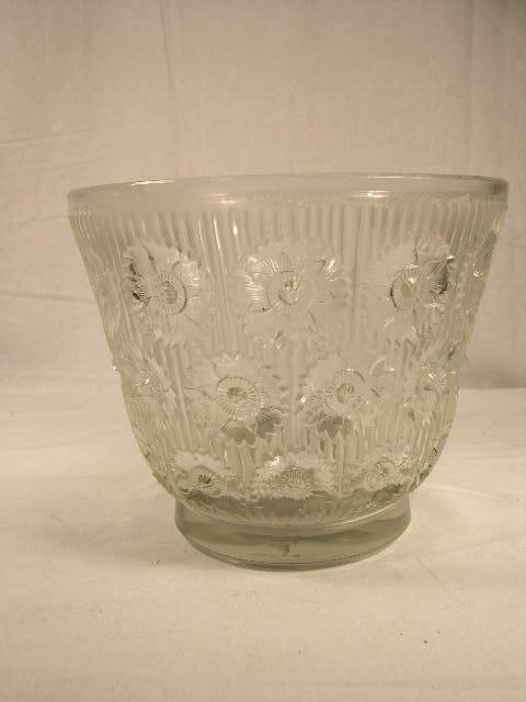 """2903: R. LALIQUE """" EDELWEISS"""" CLEAR VASE. REFERENCE MAR"""