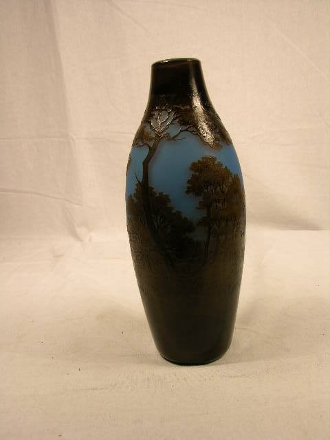 """2907: CAMEO VASE """"ARGENTAL"""". A SCENIC CAMEO VASE ALL AR"""