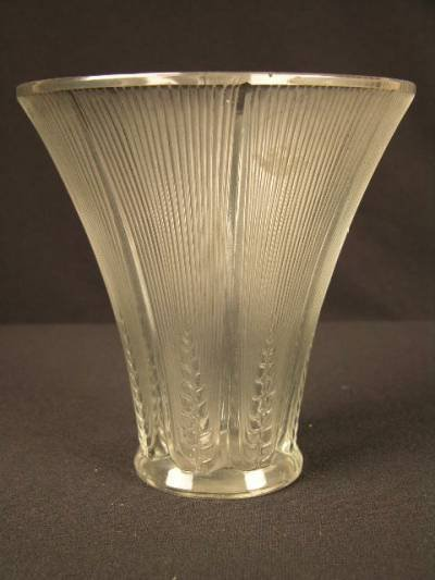 """2916:  R. LALIQUE """"EPIS"""" VASE DECORATED   WITH EIGHT PA"""
