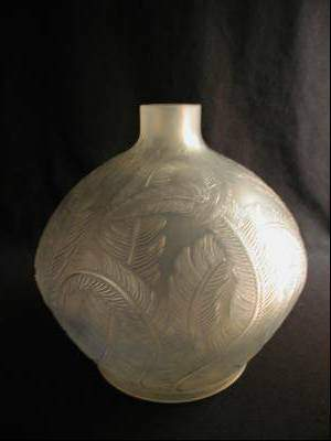 """R. LALIQUE """"PLUMES"""" VASE WITH LIGHT BLUE PATINA."""